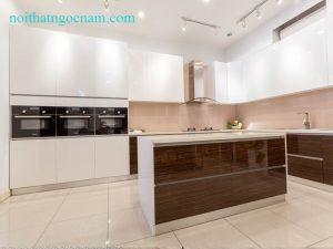 Mẫu tủ bếp Acrylic an cường cao cấp được thiết kế cho khách ở Hà Nội