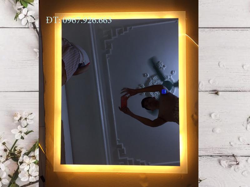 gương hình vuông có đèn led