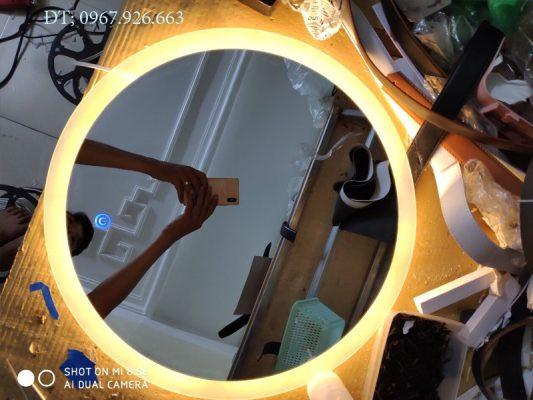 gương tròn có đèn led