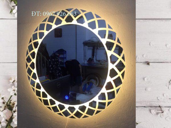 gương tròn hoa văn treo tường