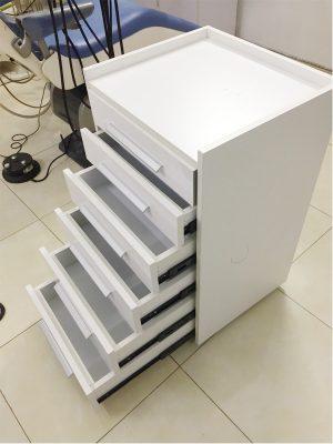 mẫu tủ đựng dụng cụ nha khoa di động