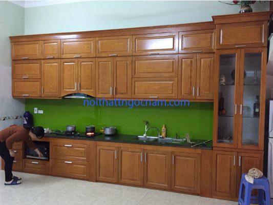 mẫu tủ bếp gỗ sồi tự nhiên