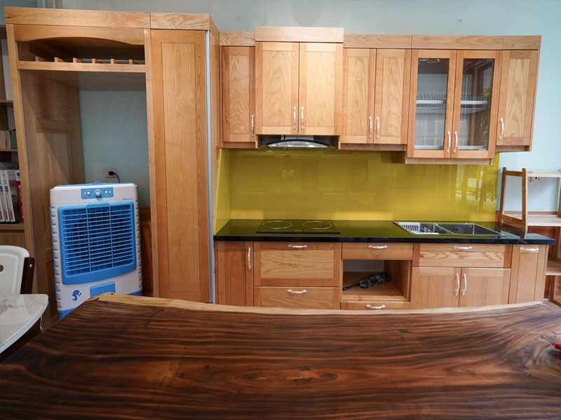 Chuyên đóng tủ bếp gỗ sồi tự nhiên nhiên
