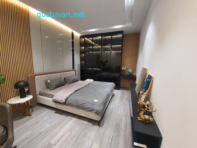Nội thất phòng ngủ có sự dụng tủ quần áo cánh kính sang trọng và đẳng cấp