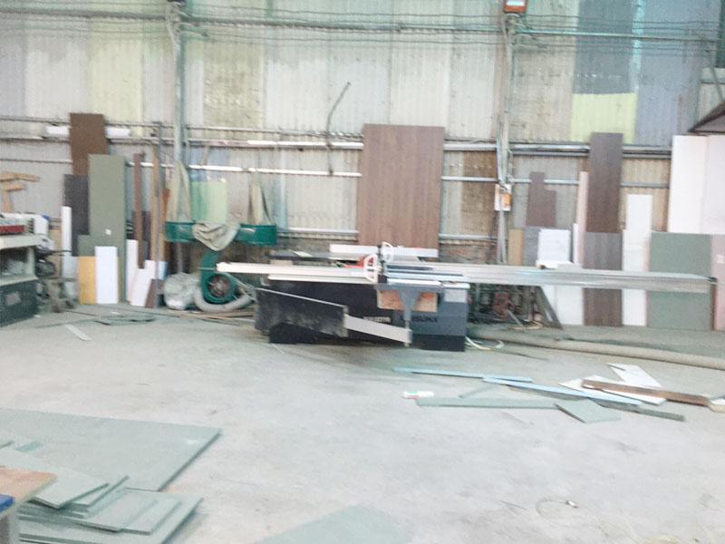 Máy cửa bàn trượt cắt gỗ