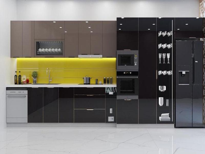 Mẫu tủ bếp inox cánh kính cường lực 01 được thiết kế hình chữ I với sự kết hợp cả tủ lạnh cũng như tủ kho tủ chứa đồ khô đồng bộ trong khu bếp gọn gàng ngăn nắp